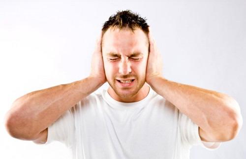 Почему мужчины невнимательно слушают женщин?