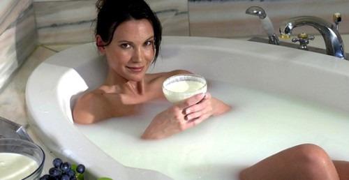 Ванна Клеопатры из молока