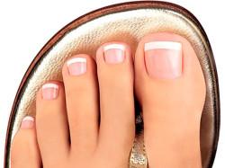 Как избавится от специфического «аромата» ног?