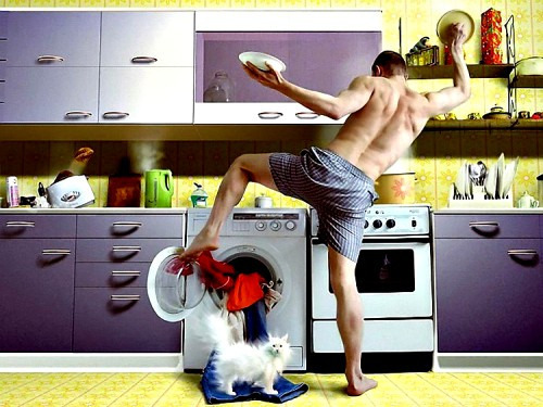 Как приучить мужа помогать по дому?