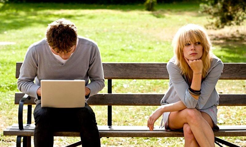 9 признаков равнодушия и безразличия вашего мужчины