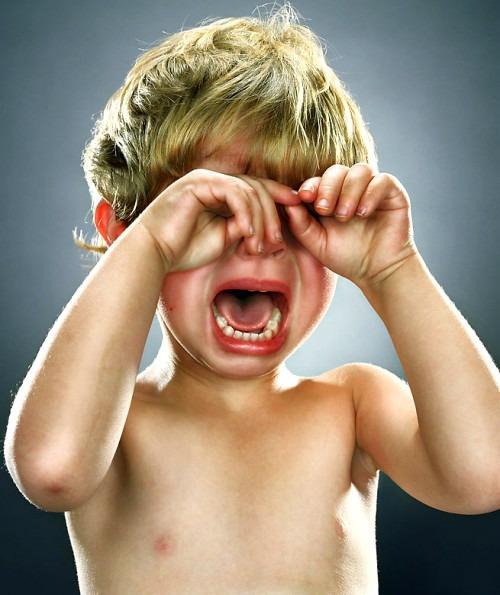 Как справиться с истерикой у ребенка