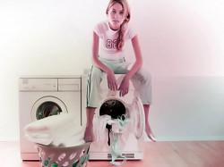 Стоит ли стирать одежду мужа самой?