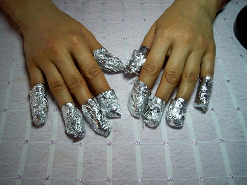 Как в домашних условиях убрать гель с нарощенных ногтей?