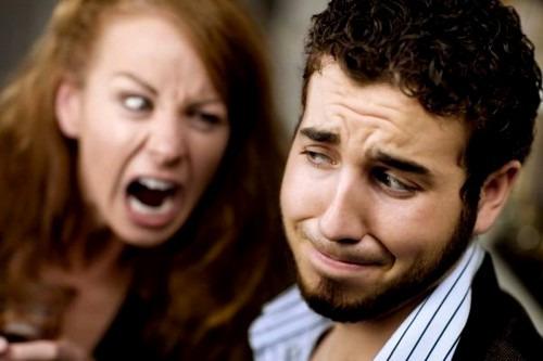 Что раздражает мужчин дома в женщине?