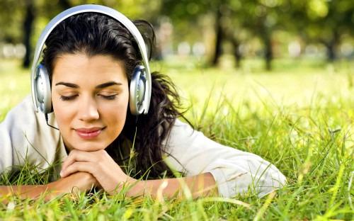 Можно ли вылечиться музыкой? Полезные советы для женщин