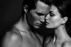 Почему мужчины скрывают свои чувства?