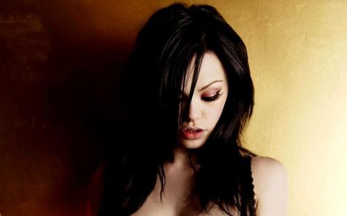Ламинирование волос  - красивое спасение...
