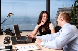 Что делать, если в вас влюбился начальник?