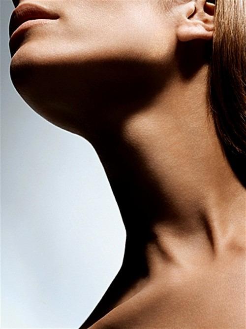 Как сохранить кожу шеи молодой и упругой