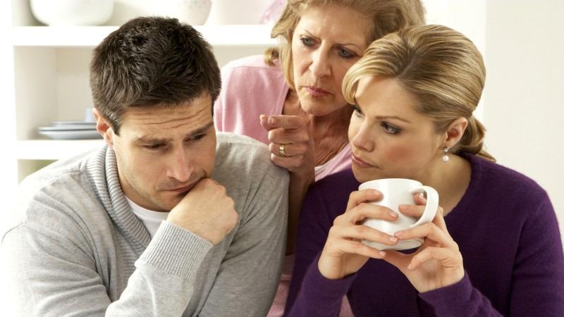 Стоит ли молодой семье жить с родителями?