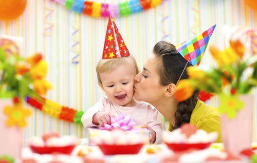 Готовимся к празднику в детском клубе по случаю дня рождения