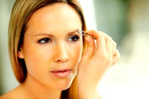 Как правильно корректировать брови?