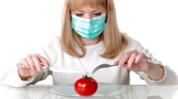 """Как избавиться от """"химии"""" в свежих овощах и обезопасить себя?"""