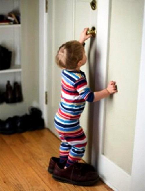 Как оставить ребенка одного дома?