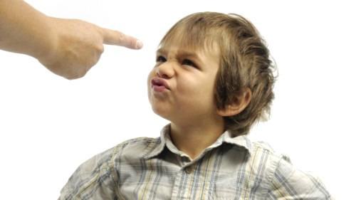 Девиантное поведение ребенка. Что это?