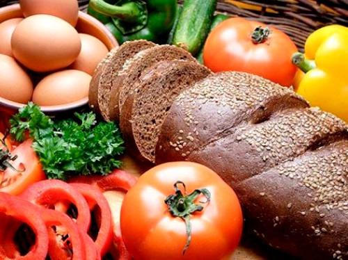 Как правильно распределить потребление продуктов в течение дня?