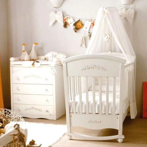 Какую кроватку выбрать для новорожденного ребенка
