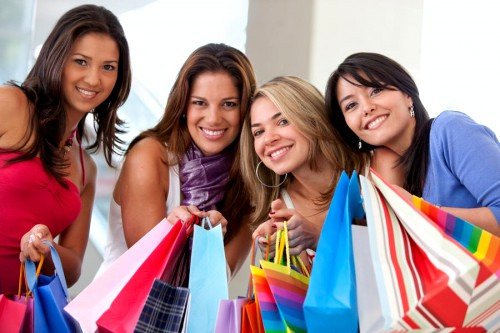 Как одеваться недорого и при этом не выглядеть дешево