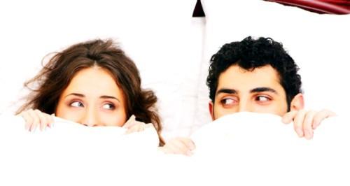 Почему нам сложно говорить о сексе со своим партнером?