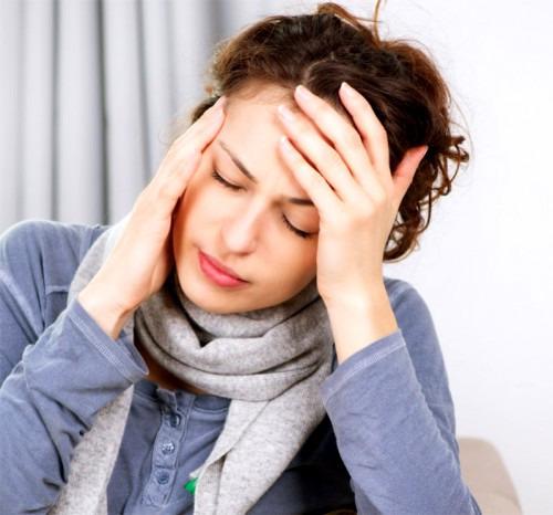 Отчего болит голова и что при этом делать?