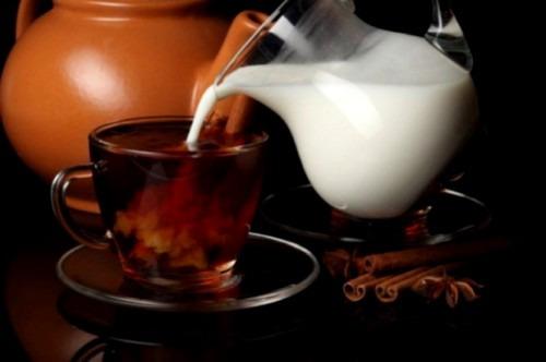 Полезно ли молоко взрослому человеку?