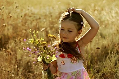 Как правильно общаться со стеснительным ребёнком?
