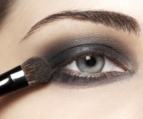 Как впервые сделать самой макияж глаз