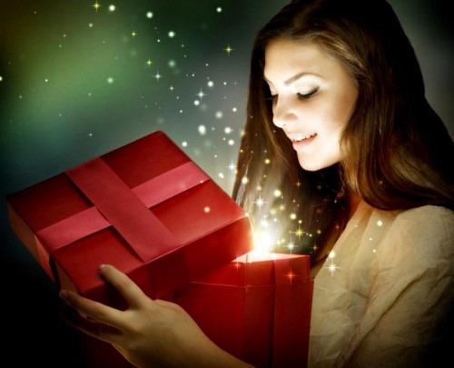 Какой подарок сделать подруге?