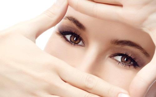 Как решить проблемы кожи вокруг глаз