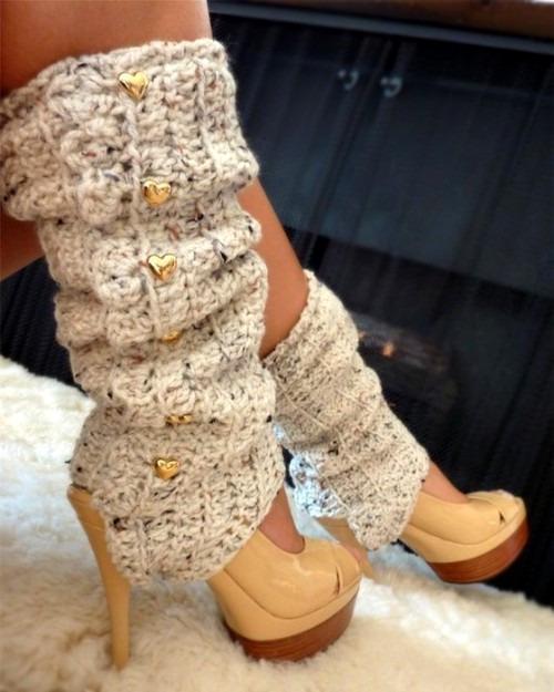 Гетры как незаменимый аксессуар в зимнем гардеробе юной модницы