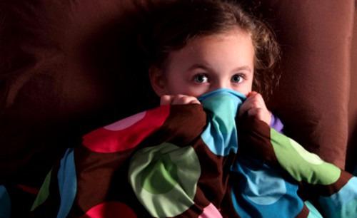 Как помочь ребёнку не бояться темноты?