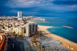 Отдых с детьми в Питере и Барселоне: организация и особенности