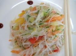 Салат из фунчозы без мяса