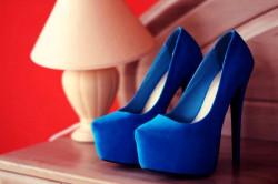 Как продлить жизнь замшевой обуви