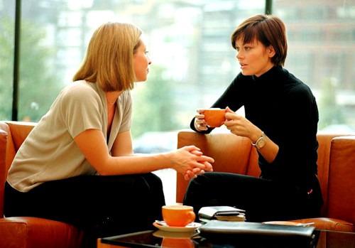 Нужно ли жаловаться подруге на мужа?