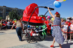 Идеи украшения детских колясок для парада