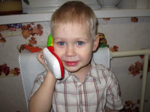 Мобильный телефон ребенку: за и против