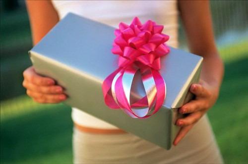 Что подарить на свадьбу? Советы по выбору свадебных подарков