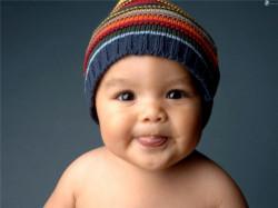 Как маленького ребенка одеть, когда он не хочет